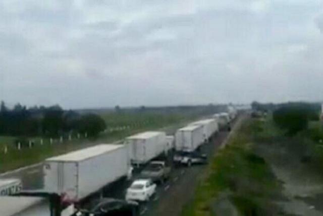 Reportan balacera en autopista a Orizaba; autoridades lo niegan