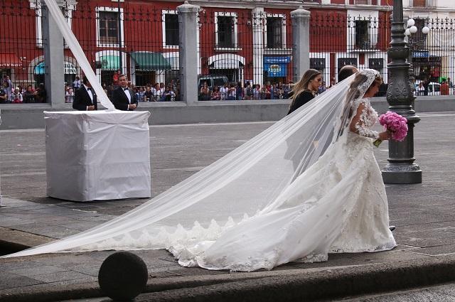 Se casan menos, pero crecen las uniones igualitarias en Puebla