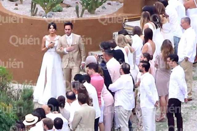 Comparten foto de la boda de Aislinn Derbez y Mauricio Ochmann