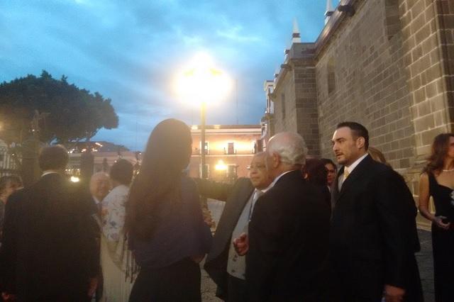Celebra Luis Maldonado boda de su hijo en la Catedral de Puebla