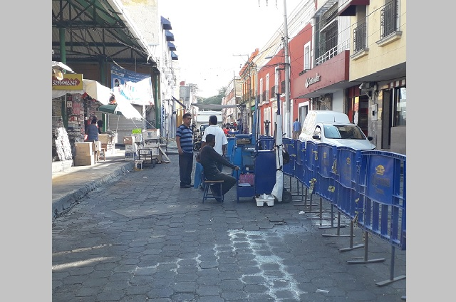 Por crisis económica boleros de Atlixco reciben apoyo del DIF