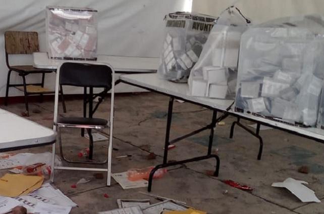 Queman, roban y destruyen 70 paquetes electorales: INE