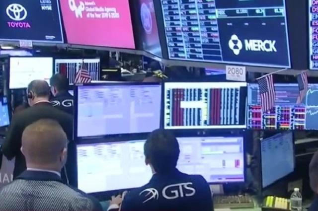 Dow Jones pierde 2 mil puntos, por desplome de precios del petróleo