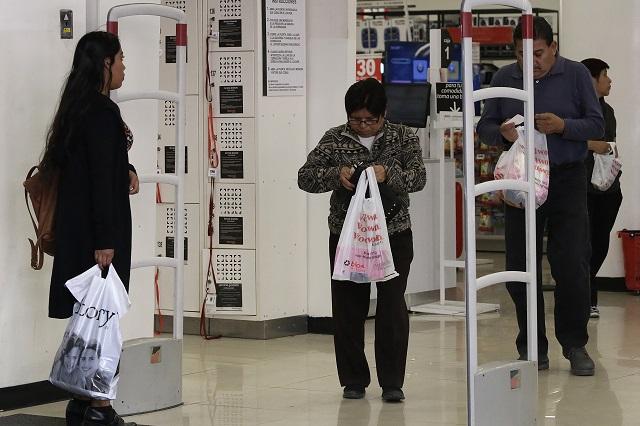 Evalúan experiencias de otros países para retirar bolsas de plástico