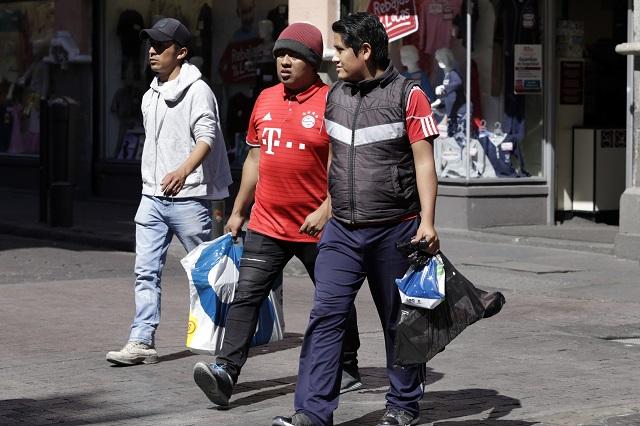 Ignoran supermercados en Puebla prohibición de bolsas de plástico