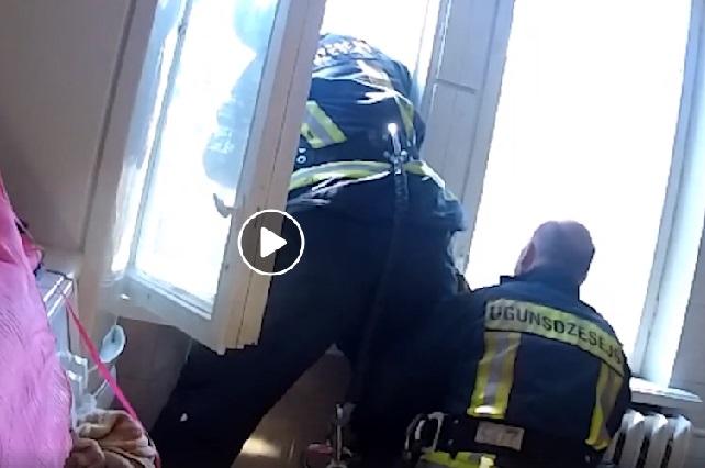 VIDEO: Bombero atrapa al vuelo y salva la vida a hombre que quiso suicidarse
