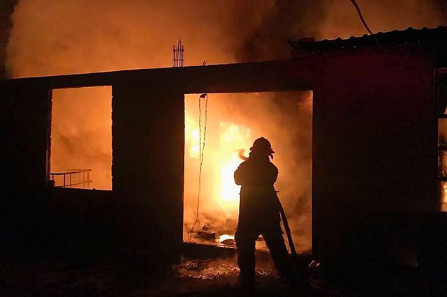 Bomberos extinguen incendio en vivienda en Cuautlancingo