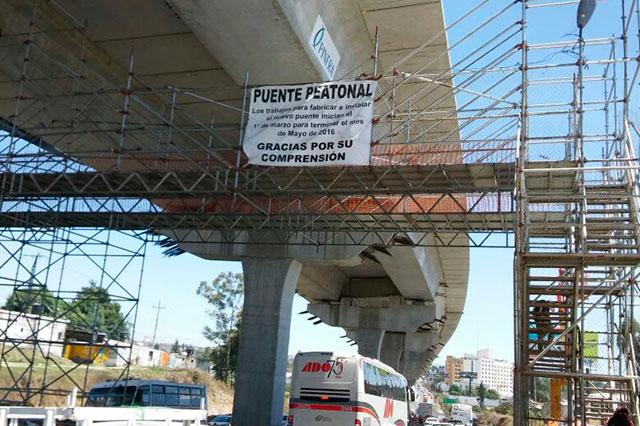 Se quejan por falta de puente peatonal; SIT dice que ya lo construye