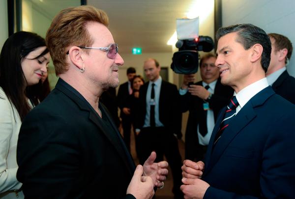 El presidente Peña Nieto invita a Bono a visitar México