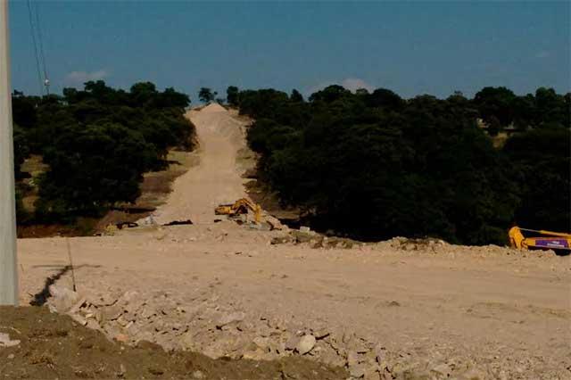 Derriban bosque para construir carretera a la Academia de Policía