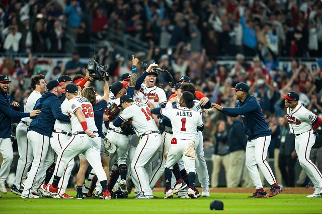 Braves y Astros disputarán una Serie Mundial inédita