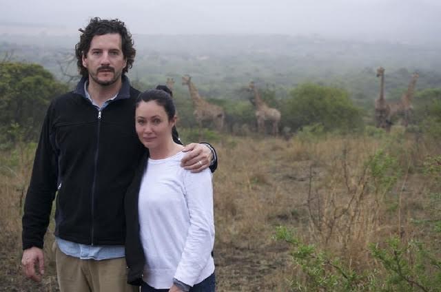 Shannen Doherty lucha contra el cáncer de la mano de su esposo