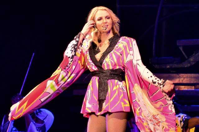 Britney Spears subastó su primera pintura para ayudar a afectados por tiroteo