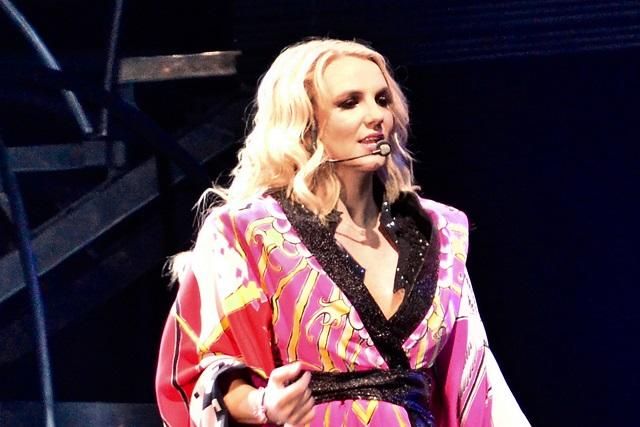 Ex fanática de Britney Spears arremete en video contra ella
