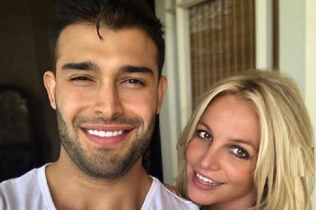 Britney Spears dedica amoroso mensaje a su novio