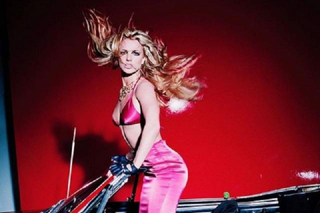Britney Spears se rompió la pierna bailando y así luce la artista
