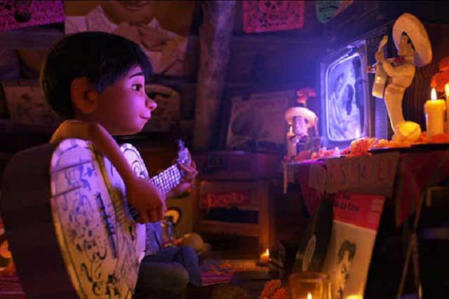 Bronco interpreta El Corrido de Miguel Rivera, para Coco de Disney Pixar