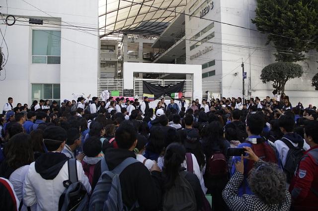 Asamblea universitaria analiza peticiones para Barbosa Huerta