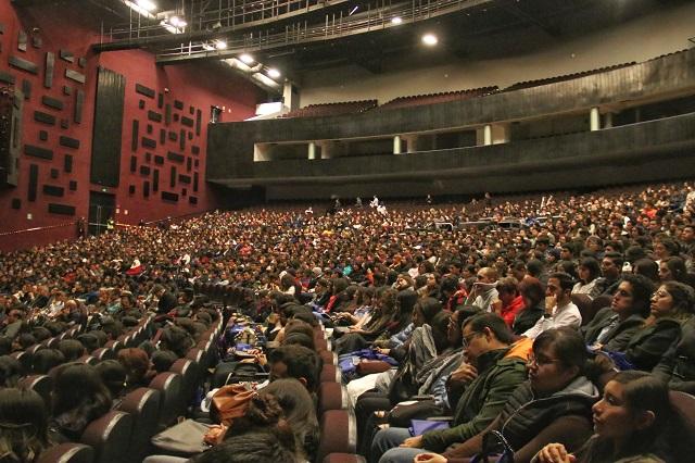 Reúne BUAP a alumnos de 65 universidades en congreso