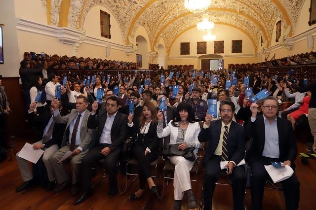 Esparza utiliza al Consejo Universitario, dice Barbosa