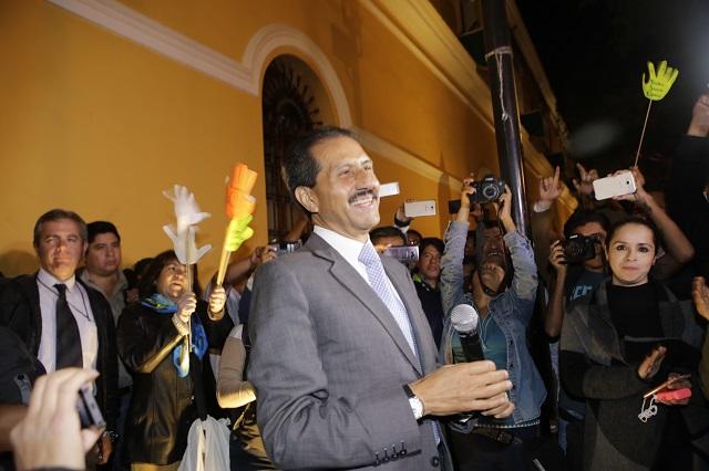 Alfonso Esparza se declara ganador en las elecciones de la BUAP