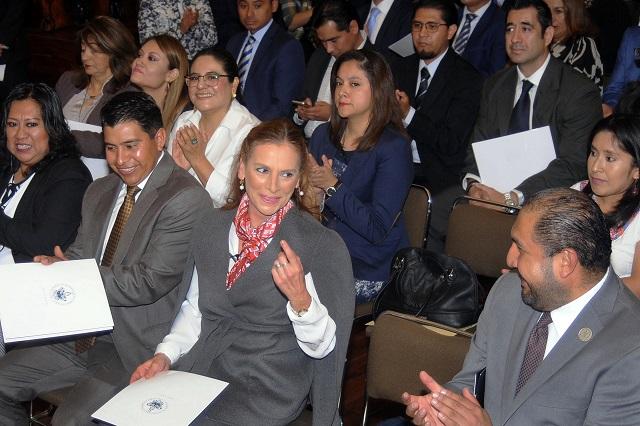 Justifica Beatriz Gutiérrez su plaza de profesora en la BUAP