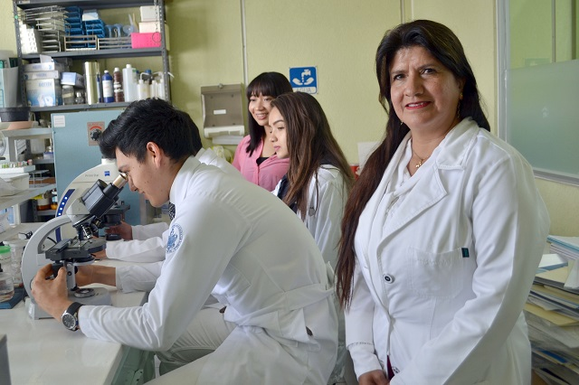Emprende BUAP investigación de tratamiento de cáncer de mama