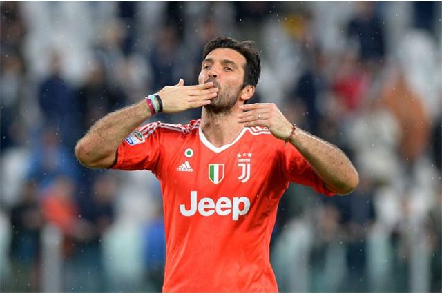 Buffon se despide del Juventus y de la selección italiana