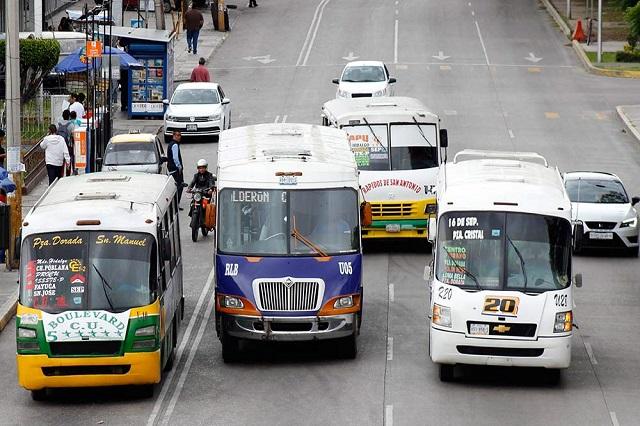 Hieren a chofer en asalto a Ruta Bulevares en Puebla
