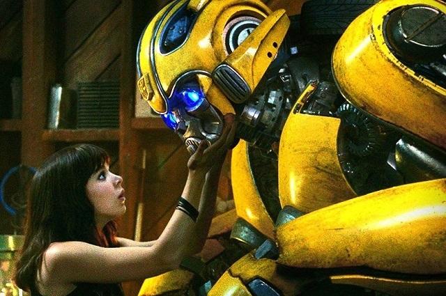 Bromas y buenas críticas de Bumblebee en Twitter