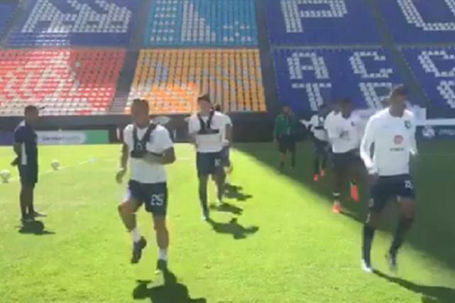Lema de Moreno Valle permanece en butacas del Estadio Cuauhtémoc