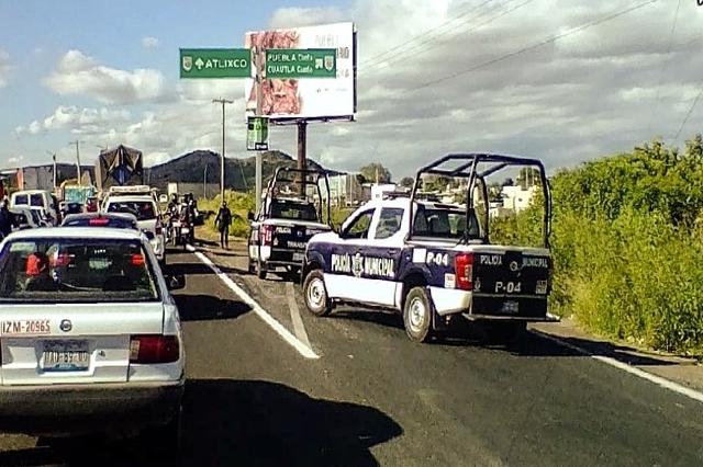 Hombre mata a su cuñada y se suicida en autopista a Atlixco