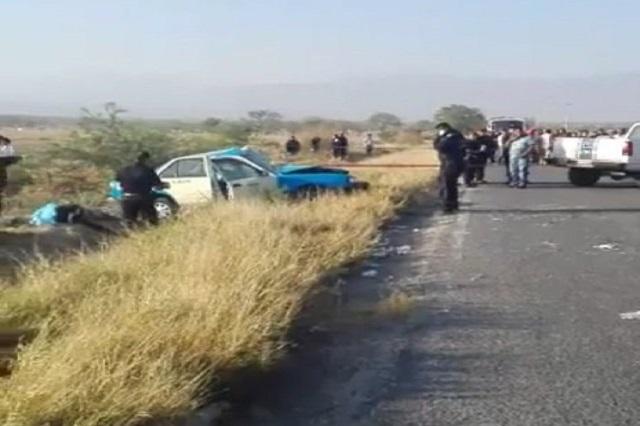 Choque en carretera de Miahuatlán deja 3 muertos y 5 heridos