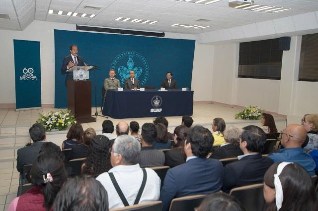 La calidad académica, una constante en la gestión de la BUAP: Esparza Ortiz