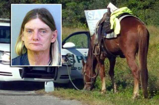 Mujer es detenida por cabalgar ebria y poner en peligro al caballo
