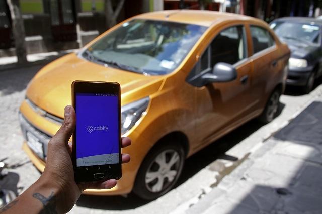 Busca Cabify choferes en calles de Puebla para su plataforma