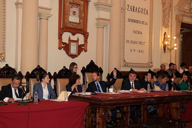Oficializan licencias para 3 regidores priístas en cabildo de la capital