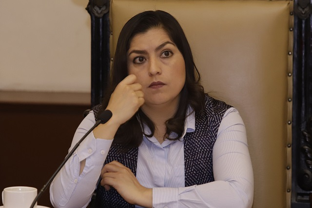 Niega alcaldesa intención de reemplazar a Agua de Puebla