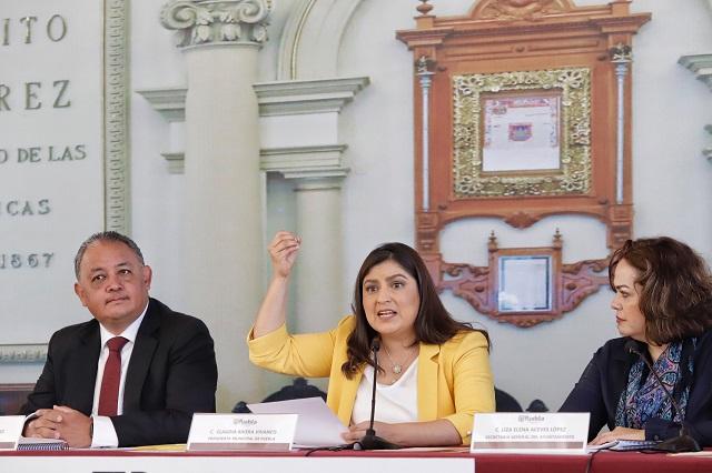 El crimen organizado asesinó a policía, dice Claudia Rivera