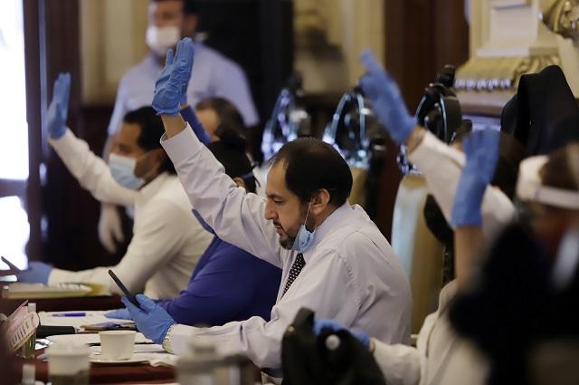 Ahora Morena quiere mochar regidores a Puebla y Tehuacán