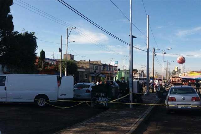 Aparece cadáver de hombre apuñalado, afuera del mercado Unión