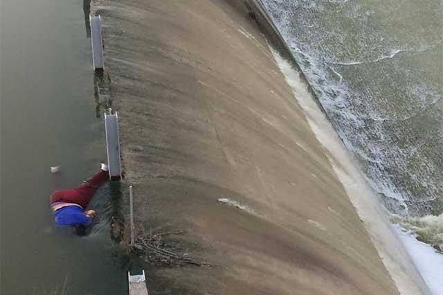 Rescatan cadáver de una mujer en la presa de Valsequillo