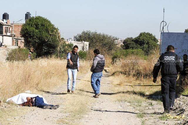 Dejan cadáver de hombre apuñalado en El Capulín