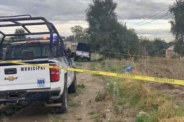 Envuelto en una cobija hallan cadáver de mujer en Calpan