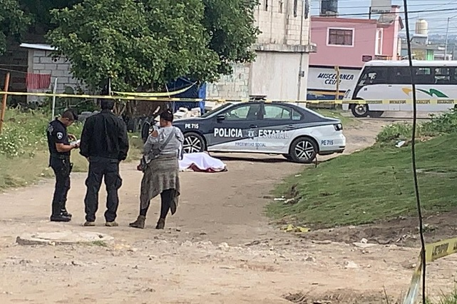 Tiran cadáver encobijado en colonia Barranca Honda