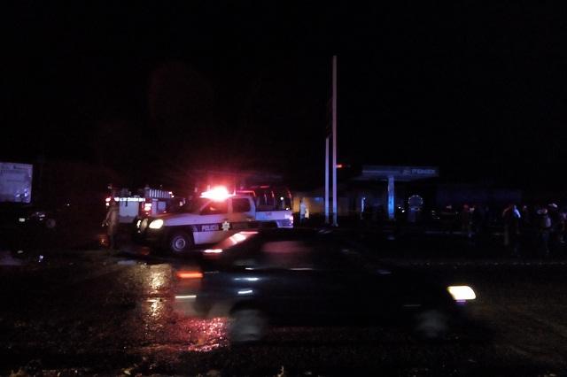 Rayo provoca incendio en gasolinera de El Verde, sin heridos
