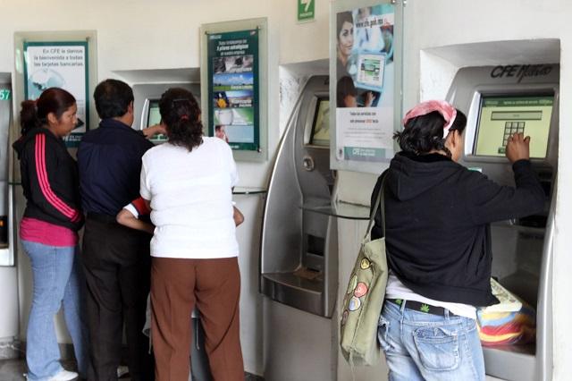 Arrecian fallas en los cajeros de la CFE en Puebla