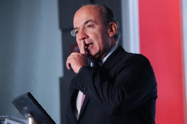 Que AMLO se ponga al frente de cinturón de paz, dice Calderón