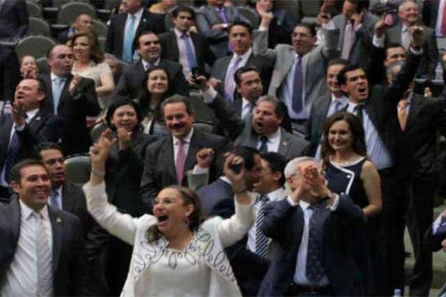Entre sueldo y bono navideño, diputados obtendrán 505 mil pesos