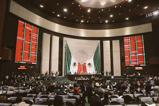 Panistas poblanos se quedan sin comisiones en San Lázaro